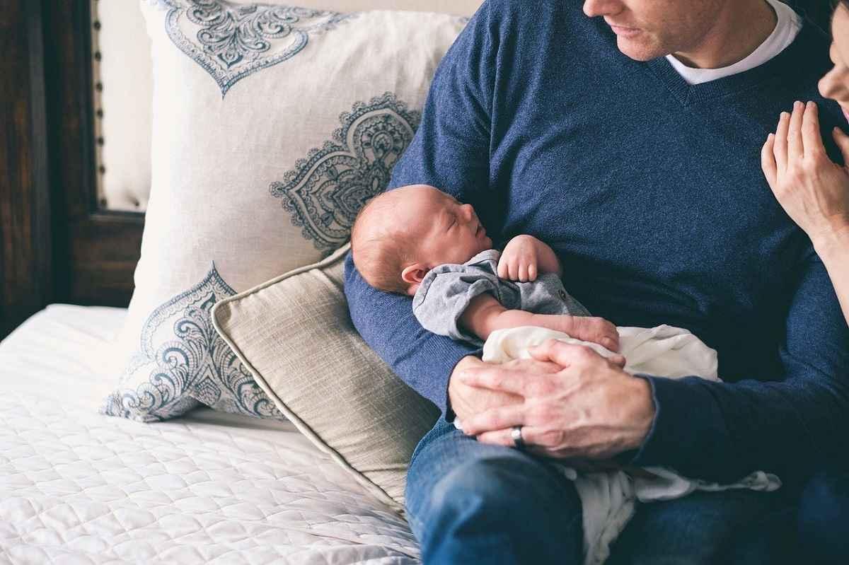 赤ちゃんとの接し方はもっとラクに考えてもOK!